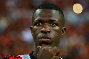Real Madrid Resmi Perkenalkan Vinicius Junior