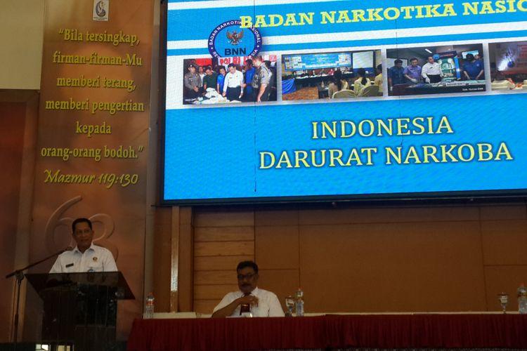 Kepala Badan Narkotika Nasional (BNN) Komjen Budi Waseso atau Buwas saat menjadi pembicara dalam acara Ikatan Keluarga Alumni Institut Injil Indonesia di Sekolah Alkitab Kota Batu, Jawa Timur, Kamis (2/11/2017)