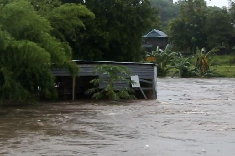 Banjir Parepare Dua Rumah Hanyut Sejumlah Titik Terendam Air