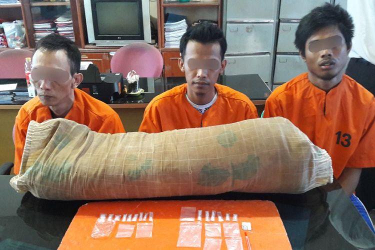 Tiga narapidana diamankan petugas lapas karena kedapatan menyimpan 16 paket sabu.