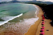 Bupati Anas dan Kementerian BUMN Kebut Pengembangan Wisata Pulau Merah