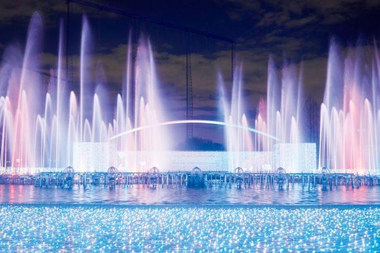 Yomiuri Land Jewellumination (R) merupakan event iluminasi yang lampunya didesain oleh desainer iluminasi terkenal dunia Motoko Ishii.