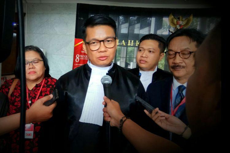 Kuasa Hukum pemohon uji materi terkait UU 13/2012 tentang Keistimewaan DIY, Irman Putra Sidin saat ditemui usai persidangan di Mahkamah Konstitusi, Jakarta Pusat, Kamis (31/8/2017).