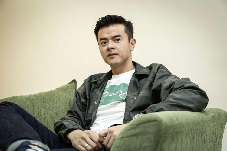 Dion Wiyoko, pemain film Terbang: Menembus Langit, datang ke kantor Kompas.com, Jalan Palmerah Barat, Jakarta, Selasa (17/4/2018), untuk mempromosikan film terbaru garapan sutradara Fajar Nugros tersebut.