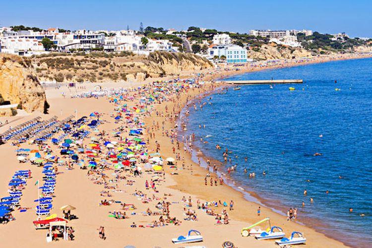 Pantai di Portugal.