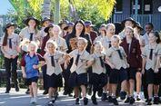 Siswi Sekolah di Wilayah Australia Ini Boleh Pakai Celana Pendek