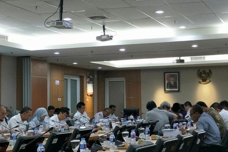 Rapat Kebijakan Umum Anggaran dan Prioritas Plafon Anggaran Sementara (KUA-PPAS) 2019 di gedung DPRD DKI Jakarta, Jalan Kebon Sirih, Jakarta Pusat, Rabu (10/10/2018).