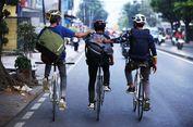 Suka Duka Kurir Bersepeda Jinakkan Ganasnya Jalanan Jakarta