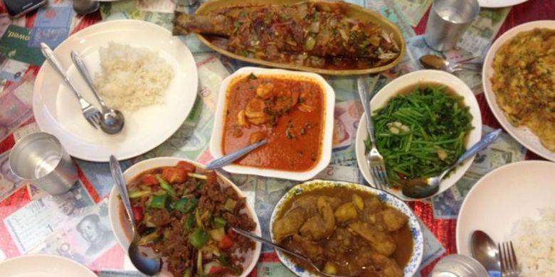 Hidangan halal yang disajikan Kunming Islamic Restaurant, Taipei, Taiwan