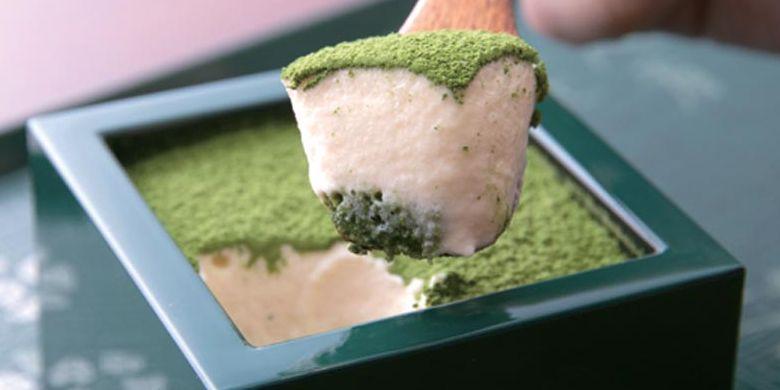 Tiramisu Maccha, menu favorit di Kafe Uji-en Kissako, Kyoto, Jepang.