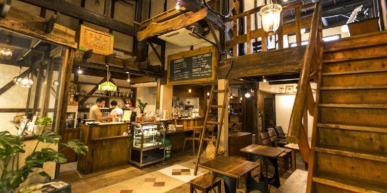 Keunikan Kamee Coffee di Kyoto, Jepang, ini yakni interior kafe seperti meja dan pernak-pernik ala Amerika.