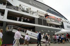 Kapal Pesiar Bawa Turis Eropa Sandar di Pelabuhan Belawan