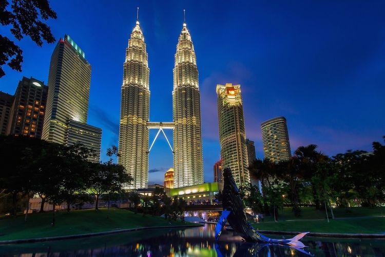 Ketenaran menara kembar Petronas sebagai bangunan tertinggi di Malaysia akan dikalahkan, seiring berlangsungnya pembangunan PNB 118 dan wacana pembangunan Tower M.
