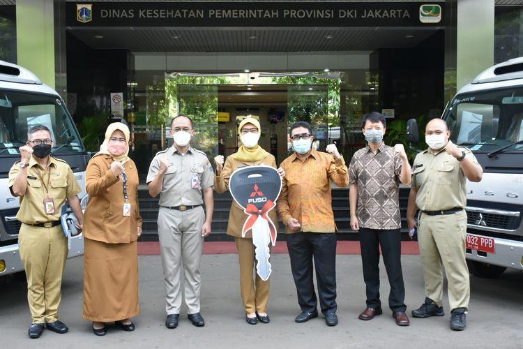 Penyerahan empat unit Mitsubishi Fuso Espasio dari PT KTB ke Pemprov DKI Jakarta