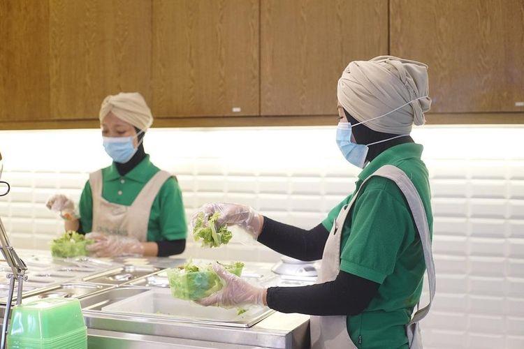 Crunchaus sendiri merupakan usaha yang didirikan Budi sejak 2017 lalu. Idenya bermula dari kesukaannya terhadap makanan sehat, terutama yang dimasak tanpa minyak.