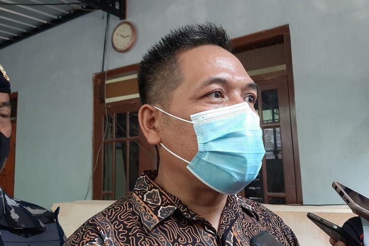 Sunaryo ayah kru kapal KRI Nanggala-402 KLS ISY Gunadi Fajar Rahmanto di Bantul Senin (26/4/2021)