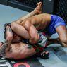 Mengenal Lebih Dalam Teknik 'Triangle Choke' Petarung MMA