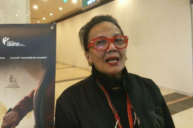 Aktris Christine Hakim usai premier restorasi film Tjoet Nja' Dhien, di kawasan Senayan, Jakarta Pusat, Kamis (20/5/2021).