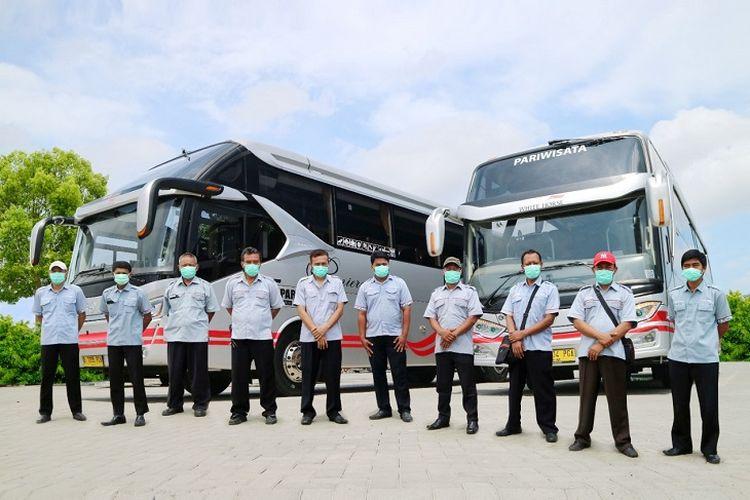Bus milik White Horse Group.