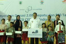 Astra International Bantu Sepatu dan Tas Untuk Anak-anak Kapuas Hulu