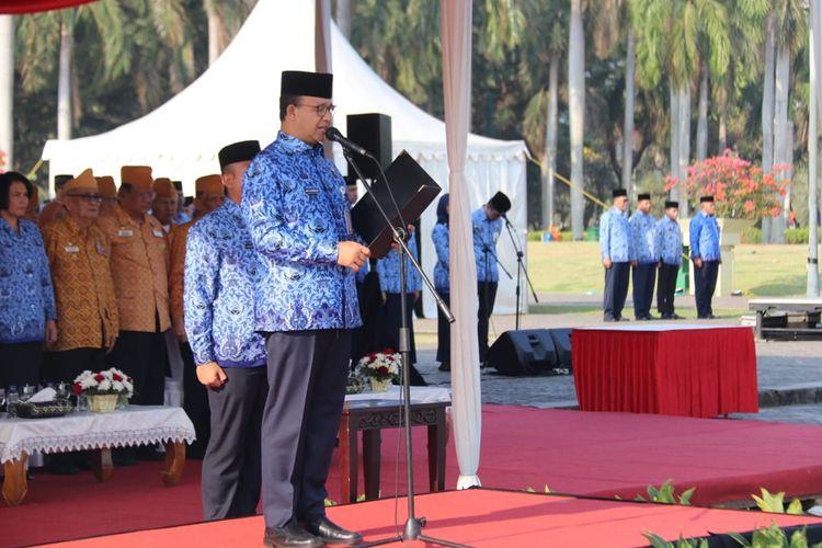 Gubernur DKI Jakarta Anies Baswedan saat memimpin upacara peringatan Hari Kesaktian Pancasila di Sisi Selatan Monas, Gambir, Jakarta Pusat, Selasa (1/10/2019)