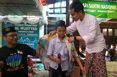 Gibran Beri Hadiah Kemeja Bergambar Prabowo dan Jokowi ke Santri