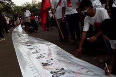 Relawan Jokowi dari Bogor Gelar Spanduk Dukungan Sepanjang 1 Km