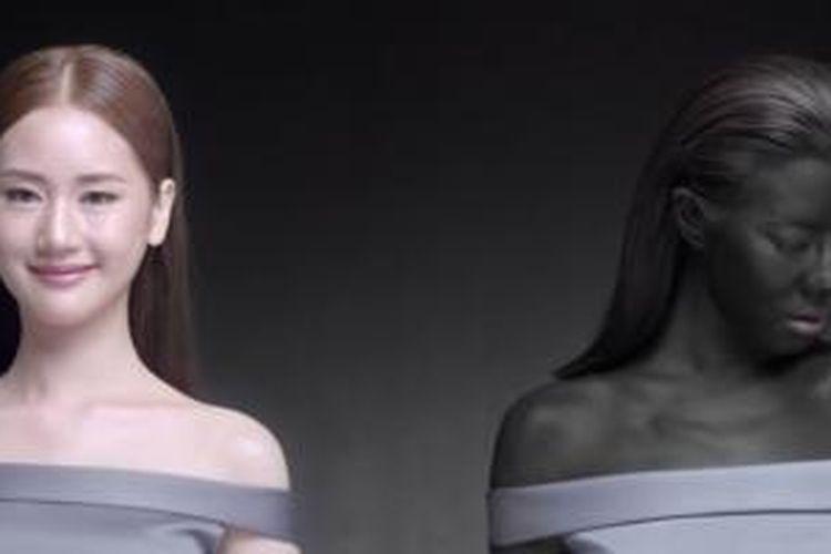 Iklan pemutih kulit menampilkan pesan terlalu esktrem.