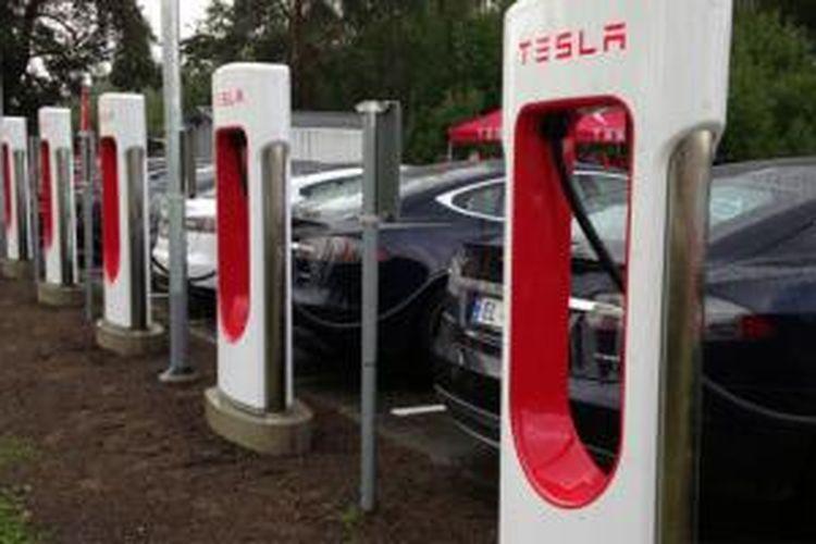 Tesla ingin bangun jaringan stasiun pengisian ulang listrik super cepat di Australia.