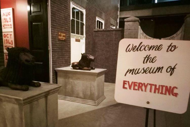 Pintu masuk menuju Museum of Everything.