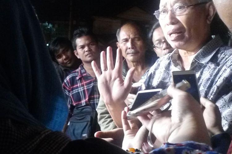 Thamrin Amal Tomagola menyambangi Mako Brimob, Kelapa Dua, Depok, Rabu (10/5/2017) sekitar pukul 19.00 WIB.