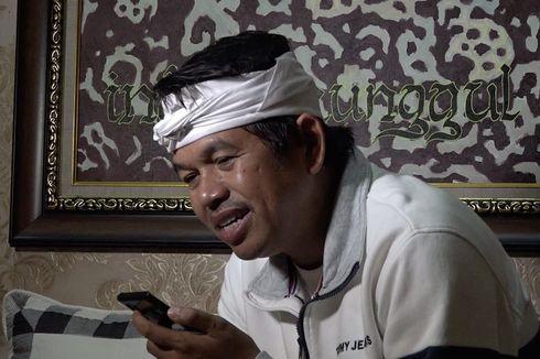 Dedi Mulyadi Menangis Saat Telepon Akbar, Pemulung yang Baca Al Quran di Emperan Toko