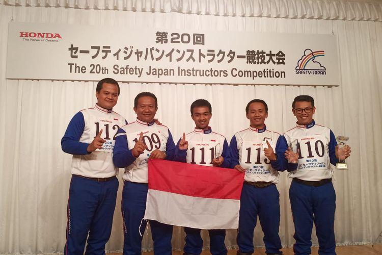 Tim instruktur keselamatan berkendara dari Astra Honda Motor Indonesia meraih podium juara di kompetisi 20th Safety Japan Instructor Competition