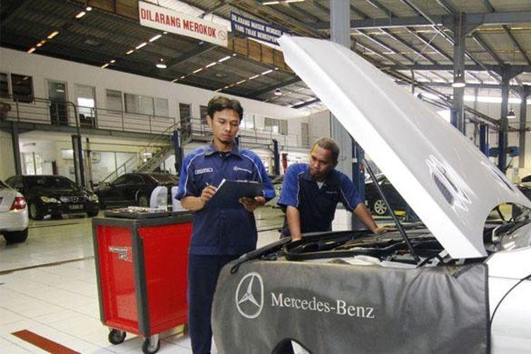Bengkel resmi Mercedes Benz.