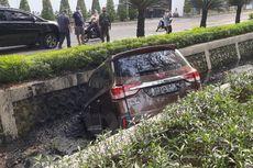 Mobil Terperosok ke Selokan, Ingat Lagi Bahaya Mengantuk