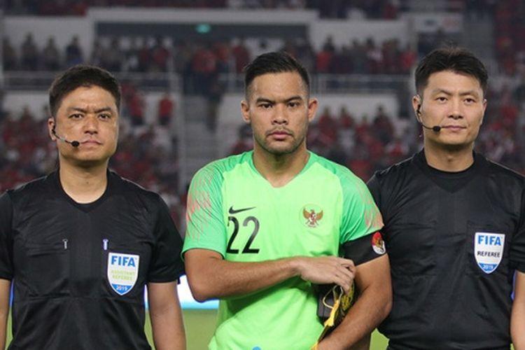 Kiper timnas Indonesia, Andritany Ardhiyasa, saat melawan Malaysia pada babak Kualifikasi Piala Dunia 2022 Zona Asia di Stadion Gelora Bung Karno (SUGBK), Kamis (6/9/2019).