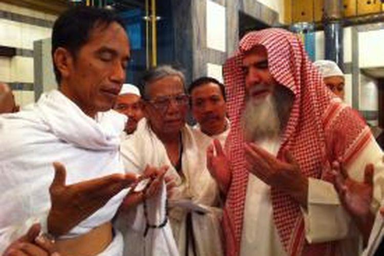 Jokowi saat menjalankan ibadah umroh, Senin (7/7/2014)