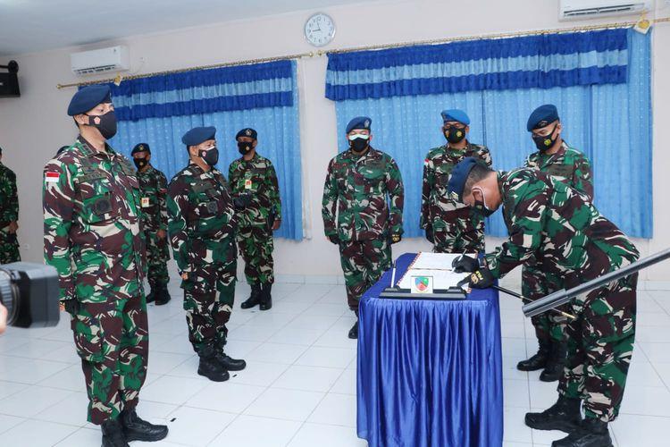 Proses pergantian Komandan Lanud JA. Dinara Merauke yang dipimpin Pangkoopsau III, Marsda TNI Bowo Budiarto, Merauke, Jumat (30/7/2021)
