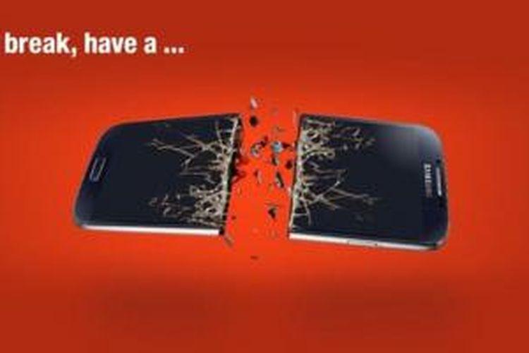 Gambar smartphone Samsung terbelah dari Nokia