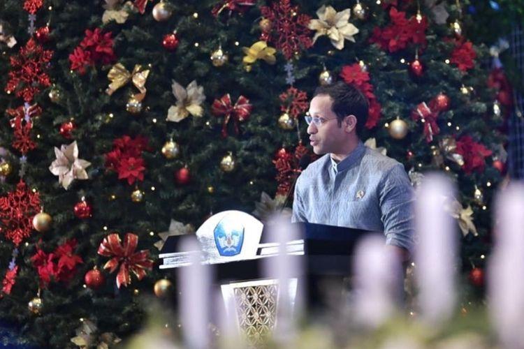 Mendikbud Nadiem Makarim hadir dalam perayaan Natal 2019 dan Tahun Baru 2020 bersama Keluarga Besar KORPRI Kemendikbud di Kantor Kemendikbud, Jumat (17/1/2020). Perayaan Natal di Kemendikbud tahun ini mengangkat tema Hiduplah sebagai Sahabat bagi Semua Orang.
