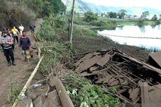 Ke Bali, Mensos Risma Beri Bantuan Logistik dan Santunan Korban Gempa Rp 329.189.122