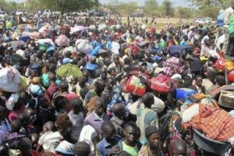 Ribuan warga sipil Sudan Selatan mengungsi untuk menghindari konflik bersenjata.