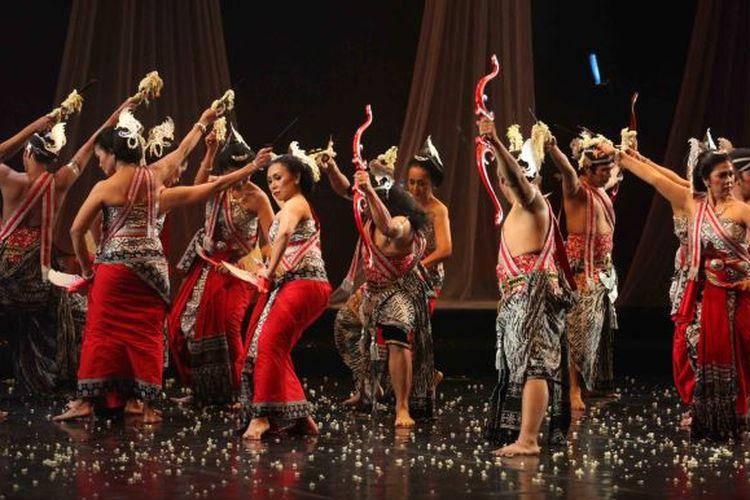 Sejumlah nilai-nilai kehidupan pun mampu dipetik dari persembahan agung maestro tari tradisional, Retno Maruti pada Jumat malam WIB 17 Maret 2017 di Graha Bhakti Budaya, Taman Ismail Marzuki, Jakarta itu juga mengukuhkan eksistensi kelompok tari Padnecwara yang telah 41 tahun turut menjaga khasanah budaya tari Nusantara.