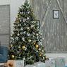Kapan Waktu Terbaik untuk Merapikan Kembali Pohon Natal?
