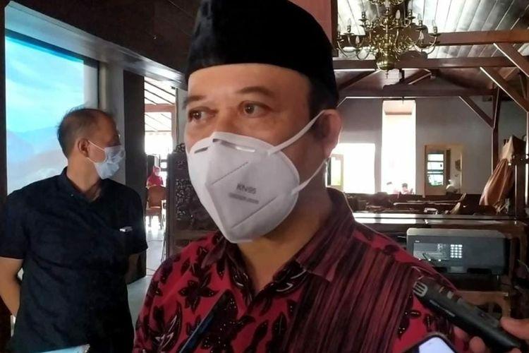 Bupati Banyumas Achmad Husein di Pendapa Sipanji Purwokerto, Kabupaten Banyumas, Jawa Tengah, Selasa (5/1/2021).
