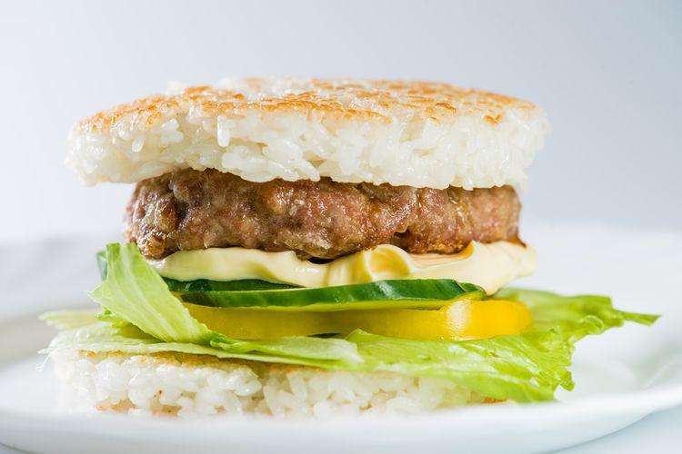 Ilustrasi burger nasi.
