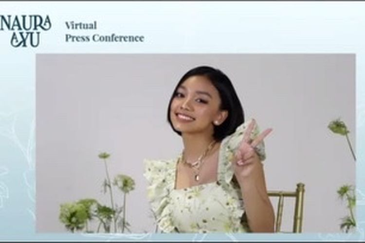 Penyanyi remaja Naura Ayu saat jumpa pers virtual, Jumat (19/3/2021).