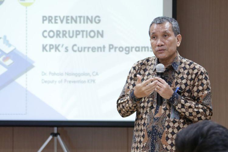 Deputi Pencegahan KPK Pahala Nainggolan dalam pertemuan dengan delegasi ARVA Afghanistan di Gedung ACLC KPK, Senin (17/2/2020).