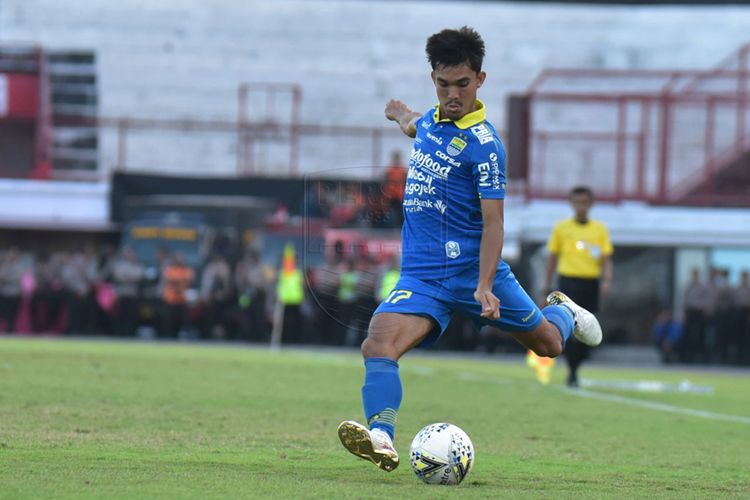 Debut bek muda Persib Bandung, Zalnando di Liga 1 2019 pada Senin (28/10/2019) di laga Persib Bandung vs Persija Jakarta.