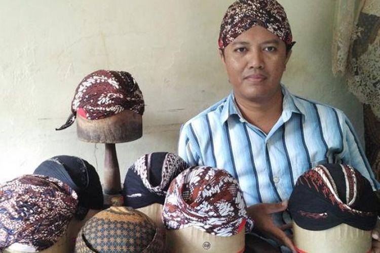 Blangkon gaya Yogyakarta.